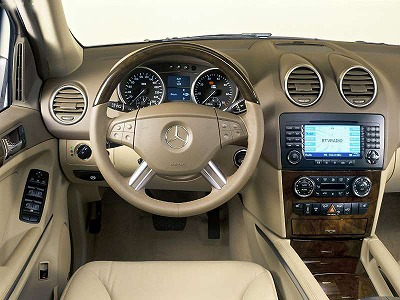 Mercedes-Benz-ML500_IN-1.jpg